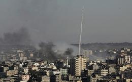 Quân đội Israel tung hỏa lực ở Dải Gaza