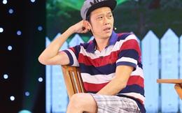 Hoài Linh mặc giản dị đi tổng duyệt hài kịch