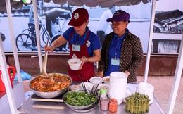 Người nghèo TP HCM vui mừng khi phố hàng rong khai trương