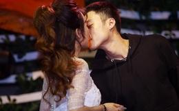 Trang Moon: Hai năm nay đều phải hôn Vương Anh!