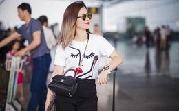 Dương Hoàng Yến mặc giản dị nhưng vẫn nổi bật khi xuất hiện tại sân bay Nội Bài