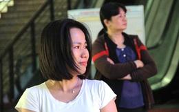 Khách bật khóc giữa sân ga Sài Gòn vì trễ tàu Tết