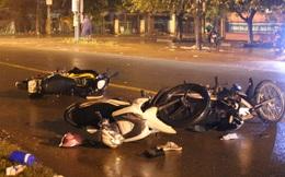 Ô tô điên tông 6 xe máy trong đêm, 9 người văng xuống đường