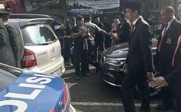 Tổng thống Indonesia đi bộ 2km dưới nắng nóng vì tắc đường