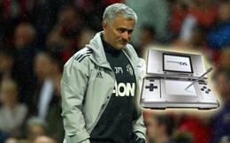 """9 giờ, 9 người, 9 cửa và """"cục gạch"""" của Mourinho"""