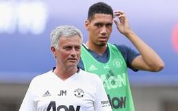 Chris Smalling càng giận, Mourinho càng mừng