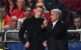 """Ra mắt ở Champions League, sao trẻ Man United nhận """"phần thưởng"""" hậu hĩnh từ Mourinho"""