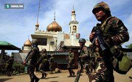Phiến quân đấu súng với quân đội Philippines ngay ở doanh trại sau khi bị đột kích