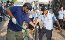 Xử lý lấn chiếm vỉa hè: Cán bộ trật tự đô thị bị đánh, tạt nước rửa cá vào người