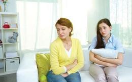 """Cứ tưởng sống chung với mẹ chồng đáng sợ, sống chung với mẹ đẻ còn """"ám ảnh"""" hơn nhiều!"""