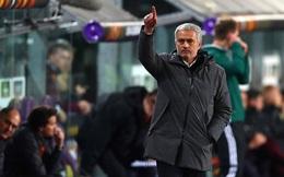 MU ăn hại: Mourinho tội nặng nhất, sao lại chửi quân?