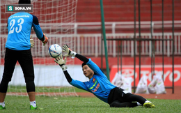 Gạch tên Phí Minh Long, HLV Mai Đức Chung gọi thủ môn từng mắc sai lầm khó tin lên ĐTQG