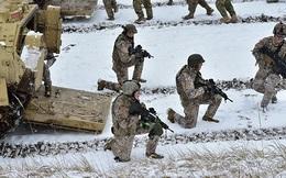 Tướng Anh thừa nhận NATO không thể đối phó được với Nga