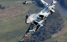 F/A-18 Mỹ phát hiện Su-35S Nga lén mang vũ khí hiếm, tối tân tại Syria