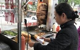 Xe đẩy bánh mì vỉa hè: Bán đều quanh năm, thu đủ tiền tỷ