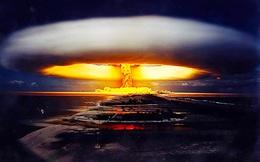 """Kế hoạch """"vô tiền khoáng hậu"""": Ném bom nguyên tử trên mặt trăng của Mỹ"""