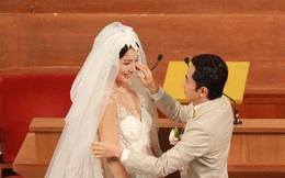 Chàng trai cao 1m58 và xấu xí vẫn lấy được vợ Hoa hậu