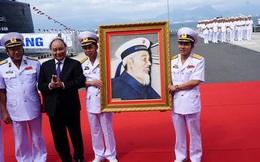 Thủ tướng dự lễ thượng cờ 2 tàu ngầm Kilo