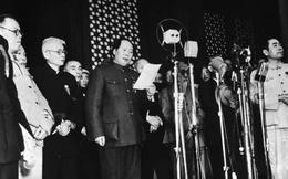 """Vinh quang và bi kịch của lãnh đạo TQ quyền lực châu Á """"đu dây"""" giữa Mao Trạch Đông-Stalin"""