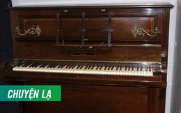 Phục chế đàn piano cổ, thợ chỉnh âm bất ngờ phát hiện cả một gia tài bên trong