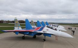 Phi đội Su-30SM hạ cánh tại Nội Bài - Lần đầu đến Việt Nam