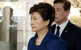 Bà Park Geun Hye tới tòa nghe quyết định bắt giam