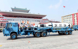 Reuters: Triều Tiên dùng xe tải Trung Quốc chở tên lửa đạn đạo trong lễ duyệt binh