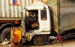 Đôi nam nữ bị xe tải kéo lê dưới gầm, tử vong tại chỗ