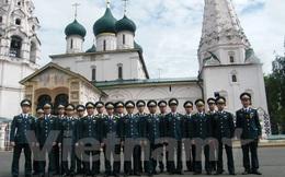 Sinh viên Việt nhận bằng đỏ Trường Quân sự Phòng không của Nga