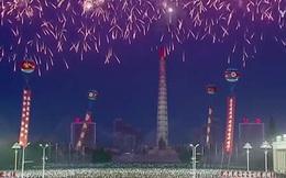 Triều Tiên rợp trời pháo hoa mừng phóng tên lửa thành công
