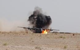 NÓNG: Máy bay quân sự Mỹ nổ tung giữa trời, nhiều người thiệt mạng
