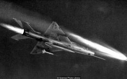 Viên phi công Tây Đức khiến quân đội Liên Xô hoảng loạn
