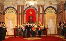 Chủ tịch nước Trần Đại Quang trao Quyết định thăng quân hàm cấp Thượng tướng và Trung tướng cho các sĩ quan cấp cao QĐND Việt Nam