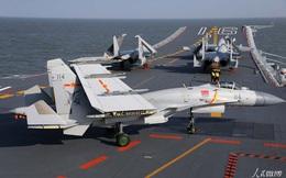 """Tiêm kích """"Cá mập bay"""" J-15 và tàu sân bay TQ: Chỉ là muỗi so với hàng không mẫu hạm Mỹ?"""