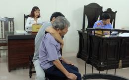 Vì sao cụ ông 79 tuổi hãm hiếp bé gái 3 tuổi được... về nhà sau khi tòa tuyên án?