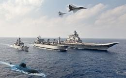 """Hải quân Ấn Độ vừa bị ai """"bóp cổ""""?"""