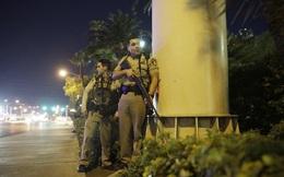 """Cảnh sát công bố video truy lùng nghẹt thở dưới """"mưa đạn"""" của tay súng Las Vegas"""