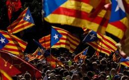 """Catalonia phải trả lời tối hậu thư – """"Có"""" hay """"Không"""" đều thiệt"""