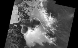 Vệ tinh tìm thấy hẻm núi sâu bên dưới lớp băng dày ở Châu Nam Cực