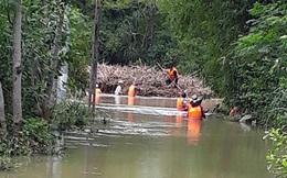 Đang khơi thông dòng chảy, nữ nhân viên thủy lợi bị lũ cuốn trôi