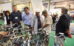 Xem những chiếc xe đạp cổ giá đắt ngang ô tô đang được trưng bày tại Hà Nội