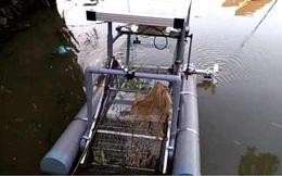 """Giảm ô nhiễm với """"robot vớt rác trên sông"""" của hai học sinh ở Huế"""