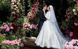 """Câu chuyện đằng sau chiếc váy cưới """"kín như bưng"""" mà Miranda Kerr mặc tại đám cưới lần thứ 2"""