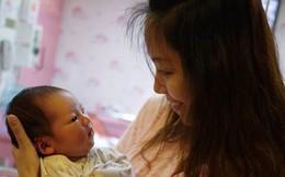 Tổng thu cả tháng 6 triệu, mẹ trẻ nhịn miệng nuôi 2 con bằng bỉm sữa xịn gây tranh cãi