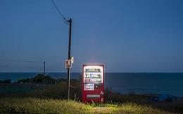 """Câu chuyện đằng sau những chiếc máy bán hàng tự động """"cô đơn"""" nhất Nhật Bản"""