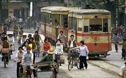 Nhìn bus BRT nay, lại nhớ tàu điện xưa ở Hà Nội