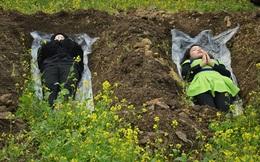 Phụ nữ giả chết để... giải sầu hậu ly hôn
