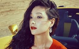 Phận đời cô quạnh của hoa hậu Á Châu từng bị đánh ghen giữa chốn đông người mà chỉ biết đứng yên chịu trận