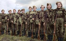 Ảnh màu hiếm về nữ binh sĩ Hồng quân Liên Xô trong Thế chiến II