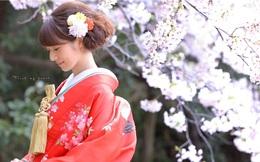 """Kimono ngỡ """"kín như bưng"""" nào ngờ vẫn hở bộ phận quyến rũ này"""